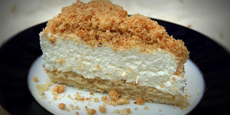 Cheesecake with crumbs01